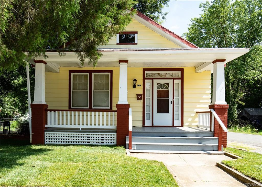 WOW!  Where can you find a great little move-in-ready home in Richmond for $110,000? Right here! Cut