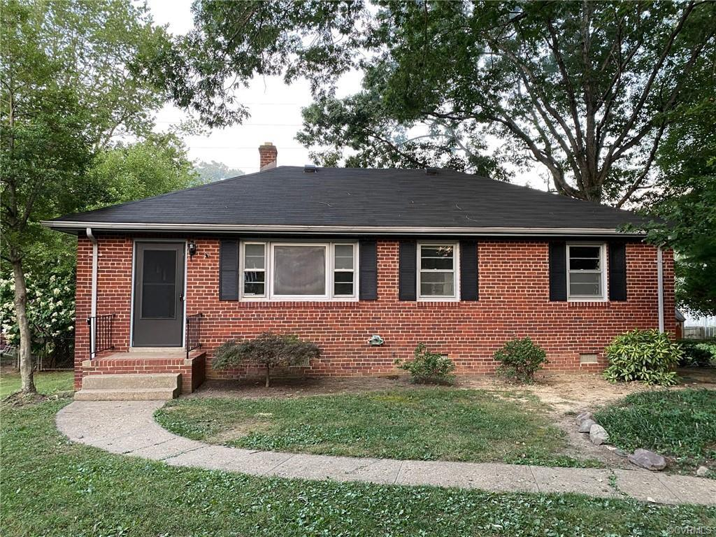 All brick ranch on cul de sac lot.  Hardwood flooring, tile bath, and new kitchen floor.  Great outdoor space with large deck. Dining room. Off kitchen utility room with washer and dryer hook up.  Fresh Paint.