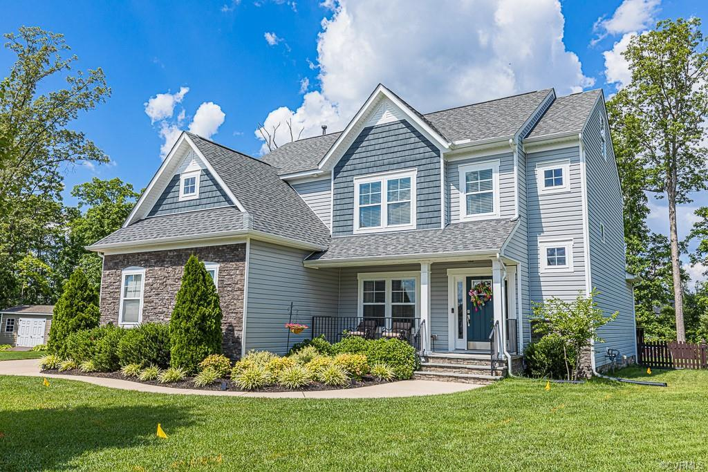Welcome to beautiful Magnolia Green with tons of community amenities and views of the golf course! T