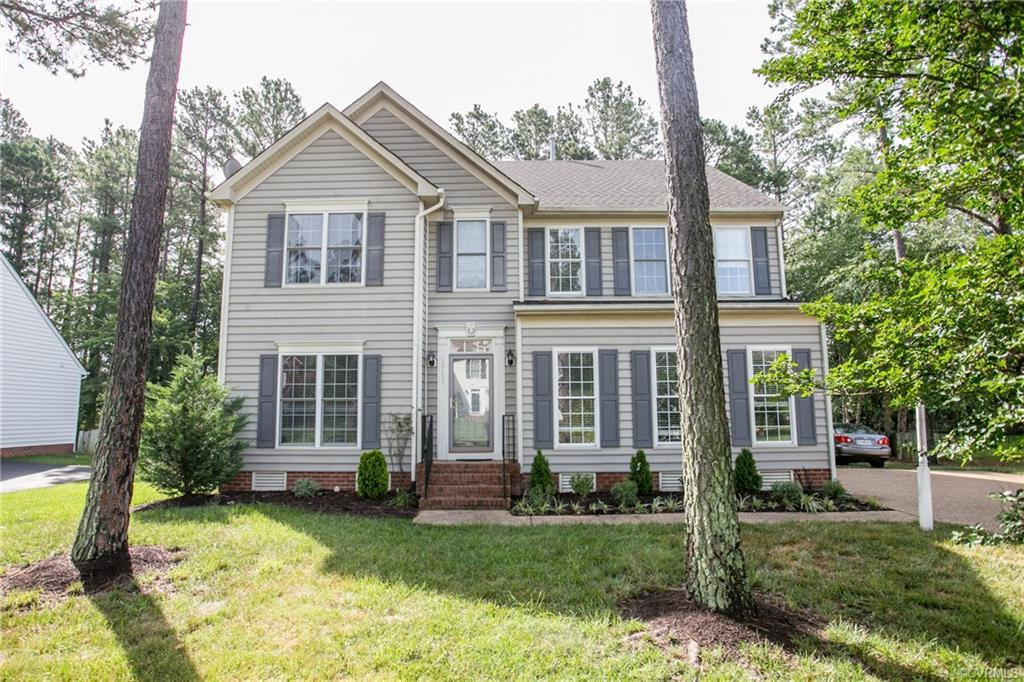 Beautiful 5 bedrooms, 3.5 baths, 2 car garage house in West Chase subdivision. Finished third floor
