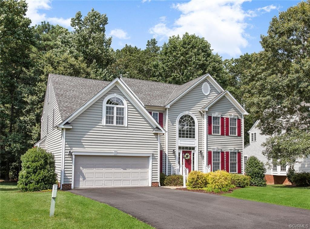 Upgrades galore in this stunning 4100 sq ft. spacious 5 Bedroom home in Somerset neighborhood. The d