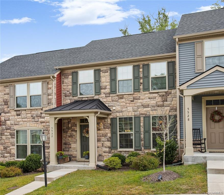 Welcome to 5532 Riverside Heights Way! Perfectly lovely townhome with a one car garage.  This gorgeo