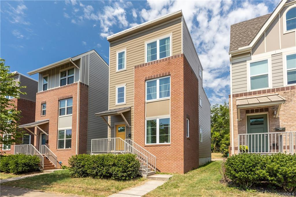 ***Motivated Sellers..Bring offers***Tribeca (TRIangle BElow CAry Street) is where you will find you