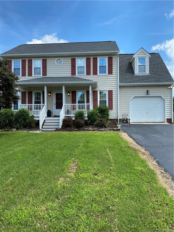Nice 3 bedroom, 2 1/2 bath two story on level lot with paved driveway. Large kitchen with vaulted ce