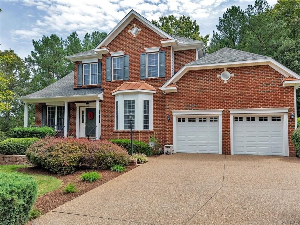 Beautiful transitional home just minutes from Short Pump. Convenient first floor living! Open concep