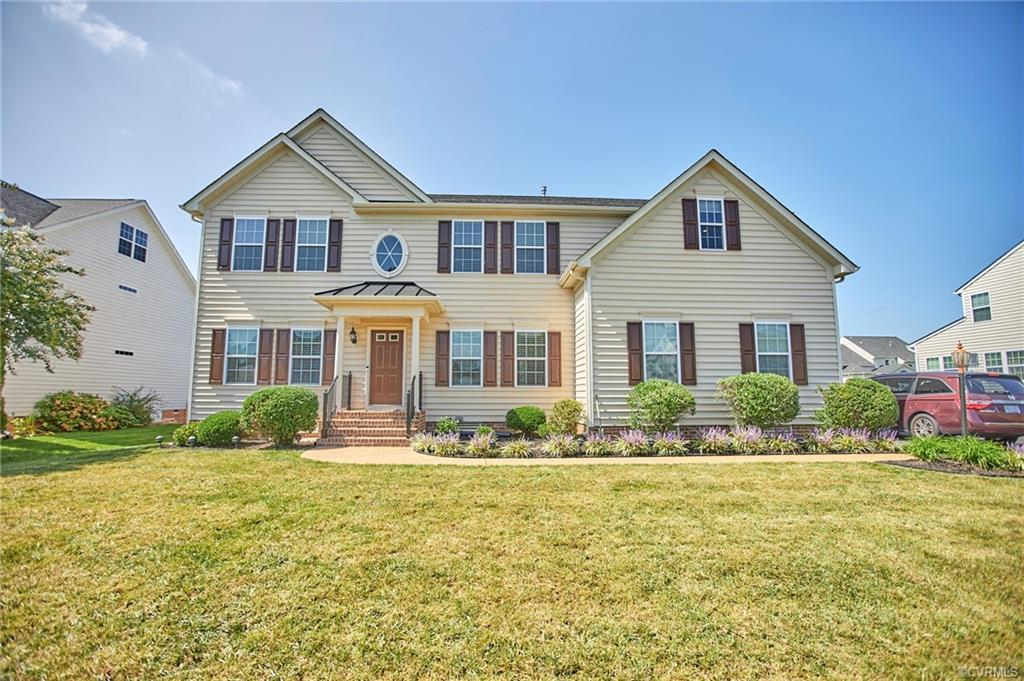 Just on the market, home with welcoming Foyer with Formal living and Dining on either side. The gran