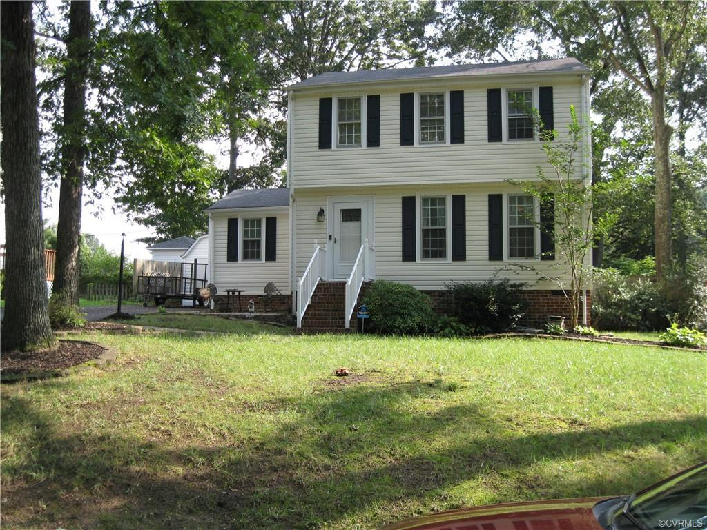 Sellers are ready for a new Adventure. They have been working hard to get their home ready. There ar