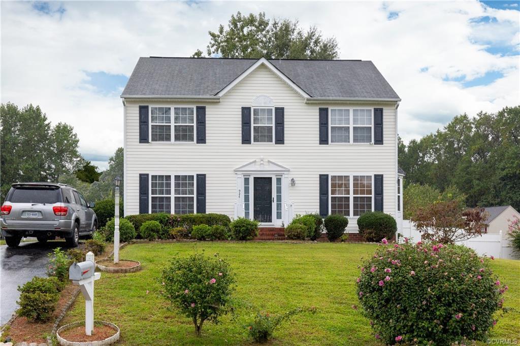 Looking for a 2-Story home that is truly a beauty? Well, look no further, this well maintained home