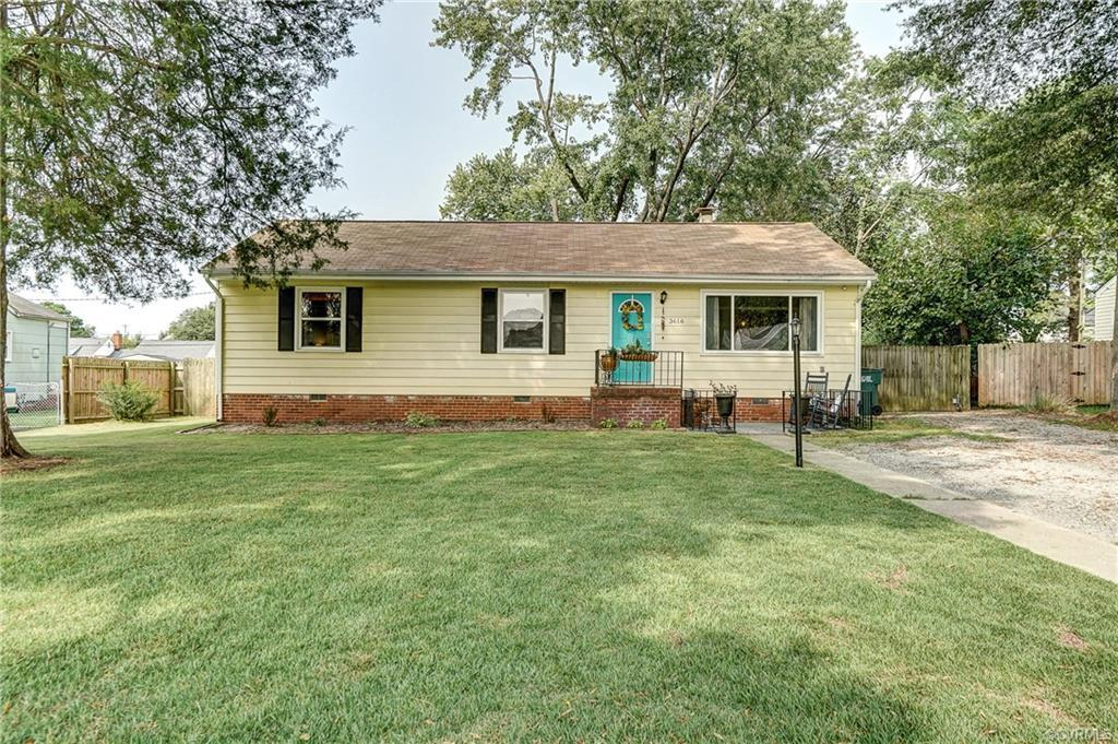 This charming 3 bedrooom home located in Henrico is for sale under $200,000!!! When entering the hou