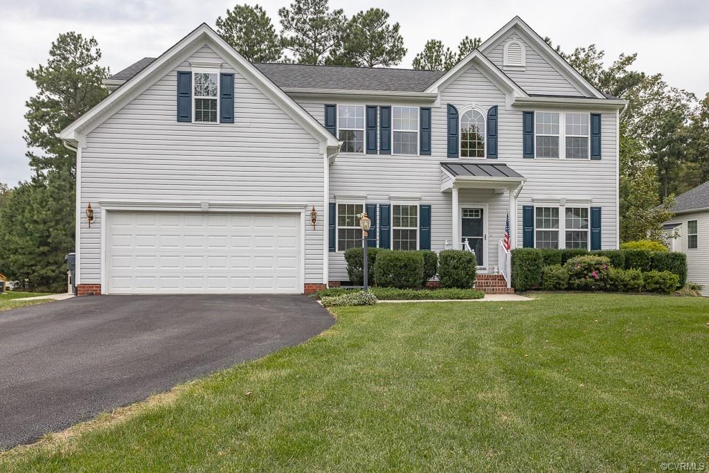 Absolutely stunning Colonial 2-story in Chester!! This beautiful home offers a formal living room/of