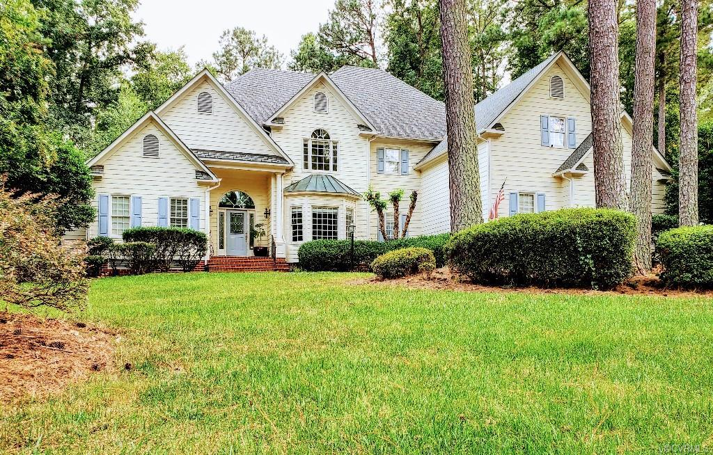 GORGEOUS TRANSITIONAL IN SUMMERFORD SUBDIVISION!  BEAUTIFUL 5 bedroom, 4 bathroom home.  Foyer, livi