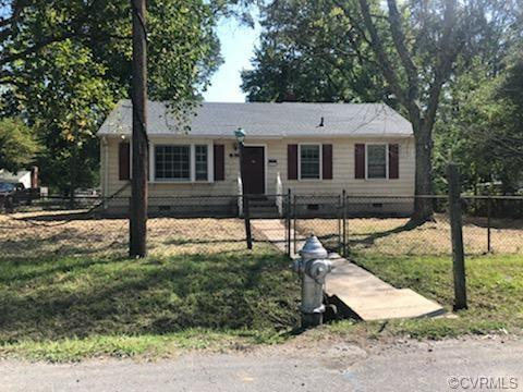 You don't want to miss this 3 bedroom 1 bathroom house. It is a light fixer upper with a new roof (2
