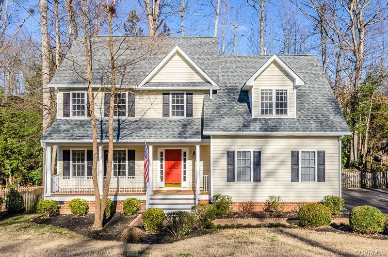 Well Maintained Home In AshCreek!!  Brand new roof in November 2020!  Refinished Wood Flooring in Fo