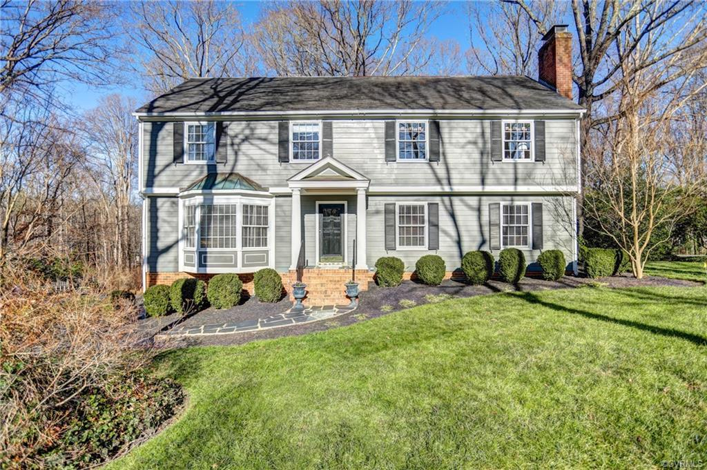This is the Home you've been waiting for! Spacious 4 Bedroom Colonial in sought after Salisbury situ