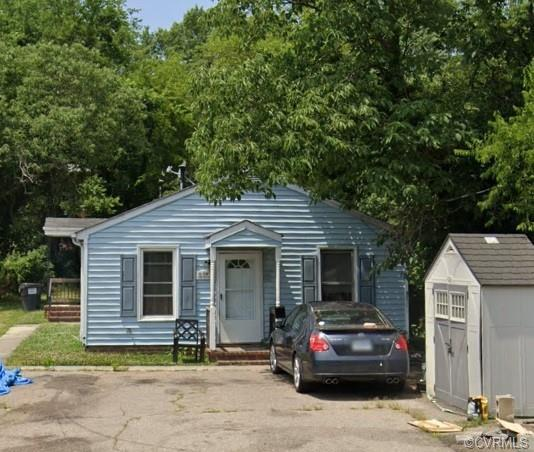 Great investment opportunity! Duplex with 3 BR 1 BA on each side, located in Ettrick across from Vir