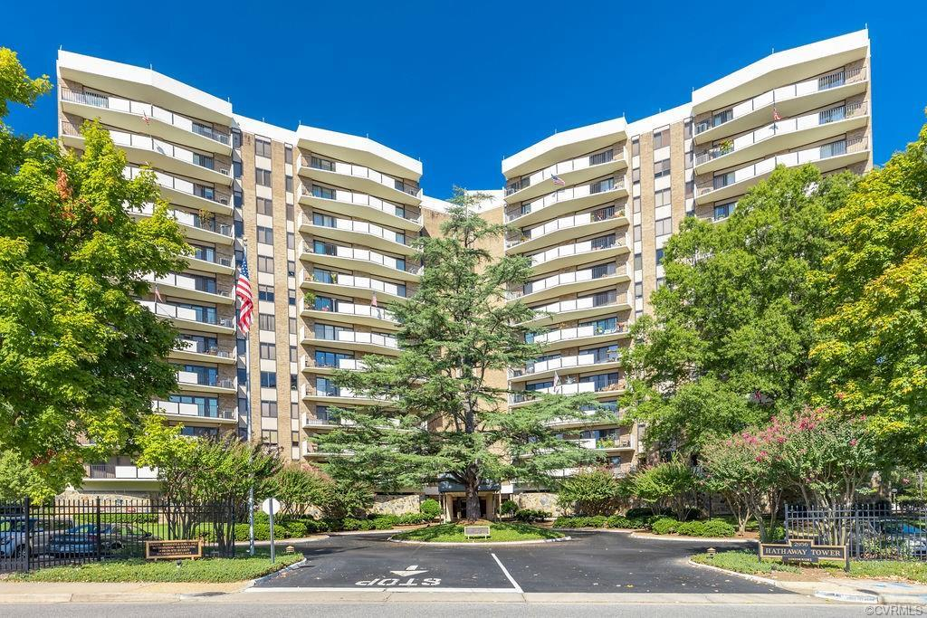 Richmond's beloved Hathaway Tower Condominiums located in Stratford Hills offers luxury maintenance