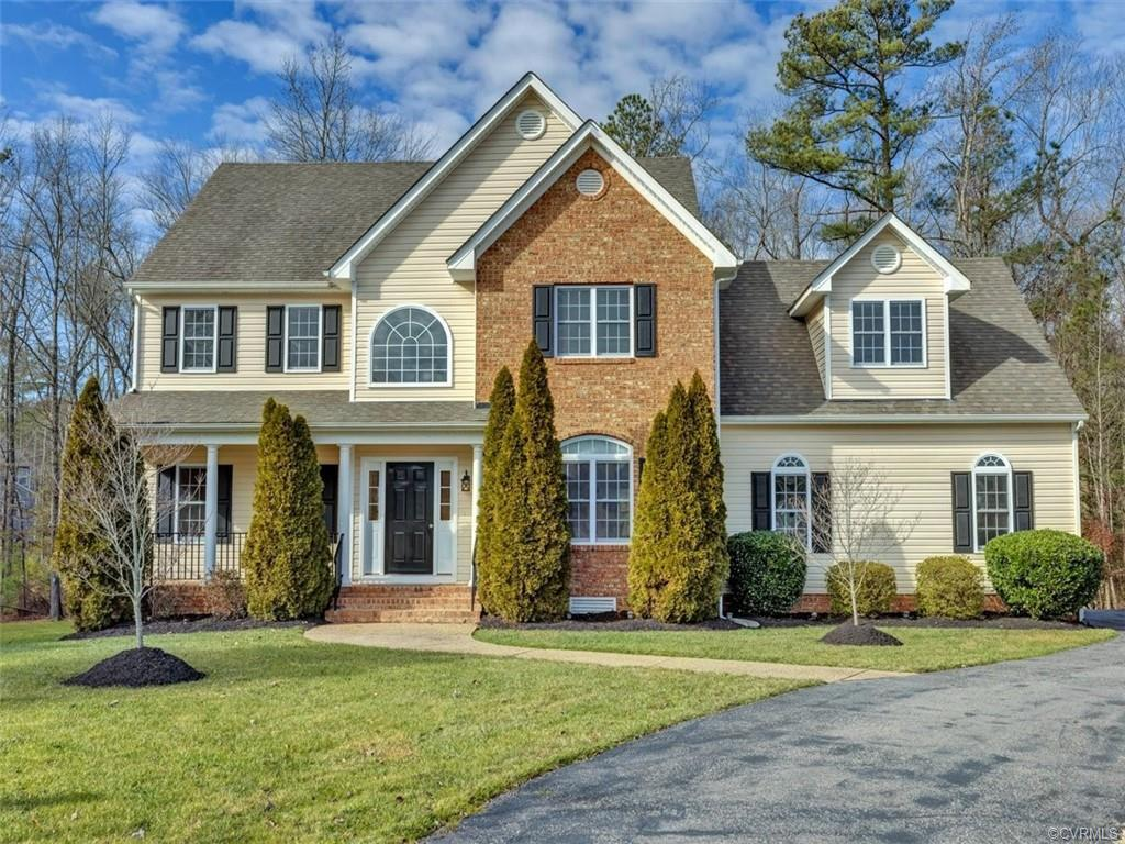 Stunning 2-story transitional home in sought after Willow Creek! Beautiful hardwood floors throughou