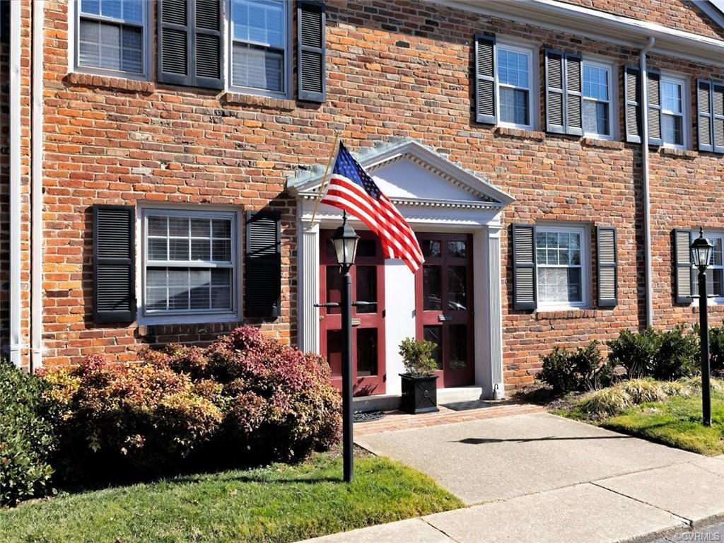 Welcome to this beautiful, freshly painted move-in ready 2-bedroom, 1.5 bath condo in the Mount Vern