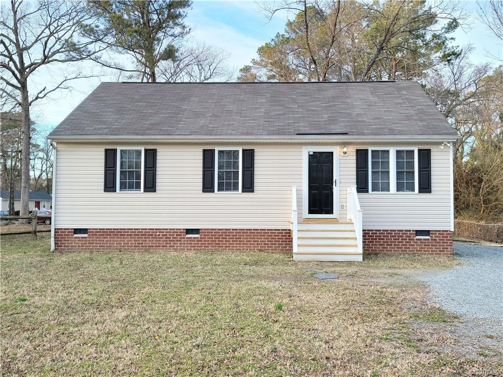Movie in condition, easy maintenance ranch home with 3 bedrooms and2 full baths. This is a vinyl sid
