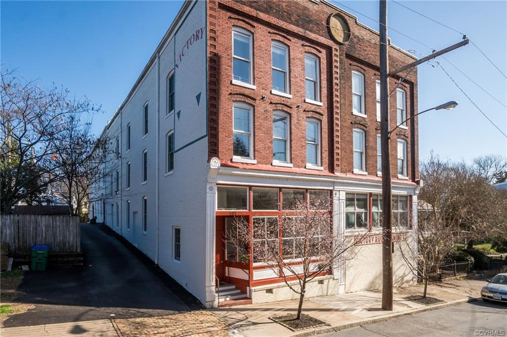 Enjoy modern loft style living at its finest in Richmond's historic Oregon Hill neighborhood! As a c