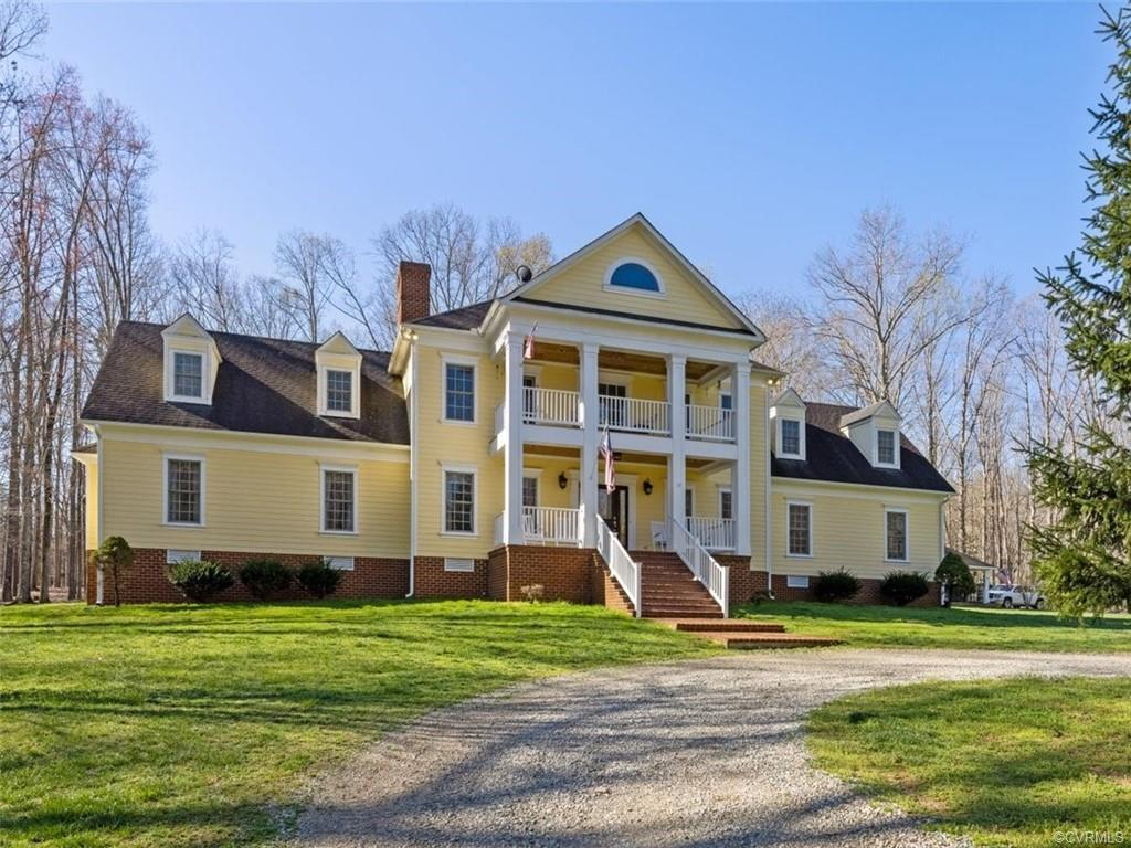 Country privacy plus all the luxuries! Gorgeous custom home on beautiful 44 acre parcel. Perfect hom
