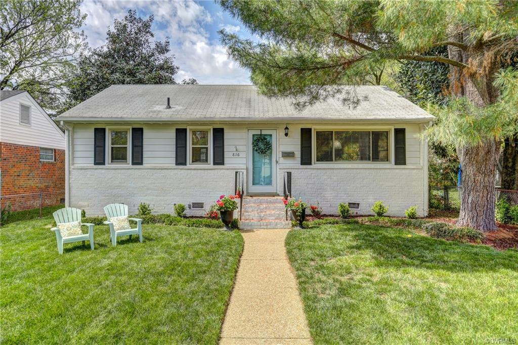Welcome home to 816 Pepper Ave, an adorable home in Westhampton Heights Annex. Pass through the whit