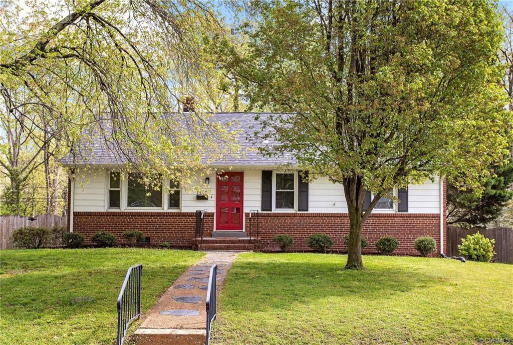 NOW AVAILABLE IN HENRICO! Enjoy a relaxed, one-story lifestyle with this ranch-style home in Oakmont
