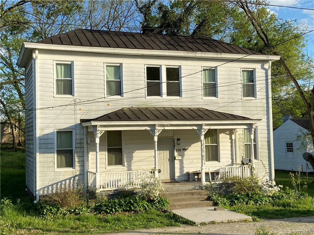 Investor's Dream*Tenants in Place* 2 Story*4 Bedroom* Remolded 4 Years ago* Dishwasher* Stove* Refri