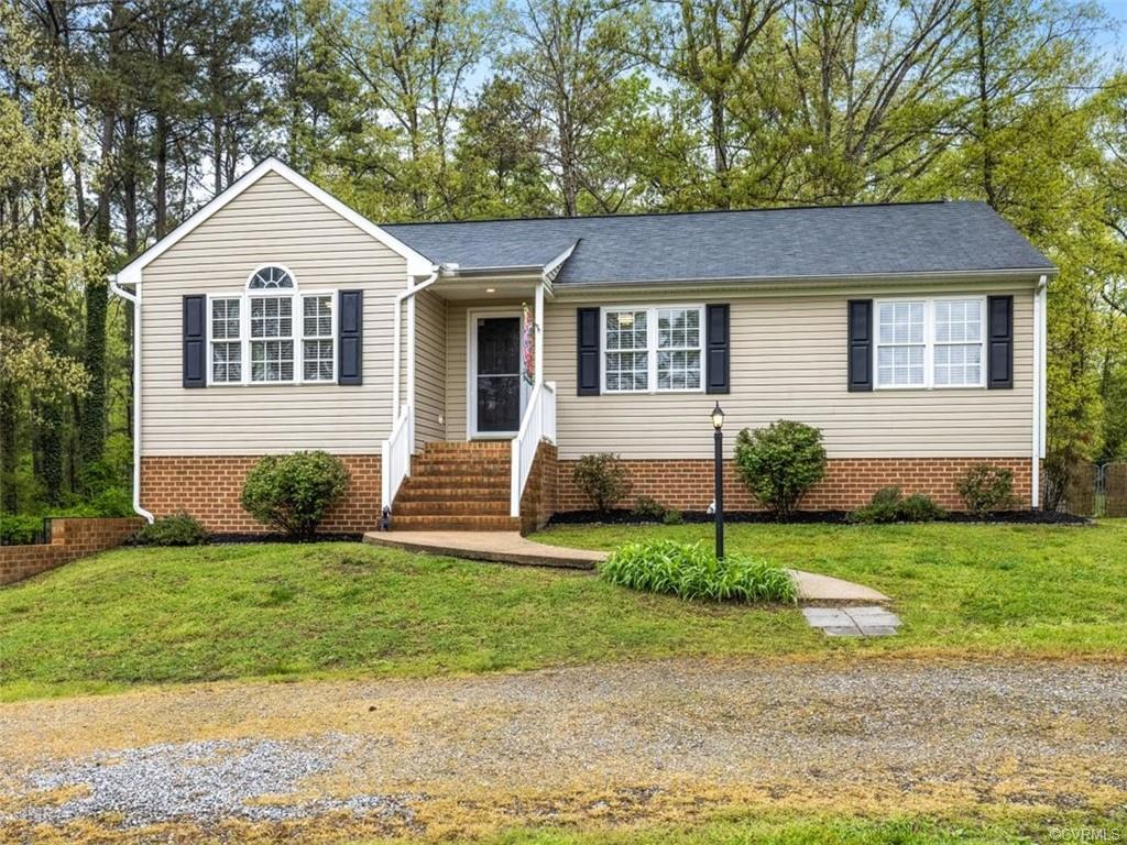 NO HOA! Tons of Yard Space! You Could Even Have Chickens! This 1,900 SQFT Home in the Hanover High S