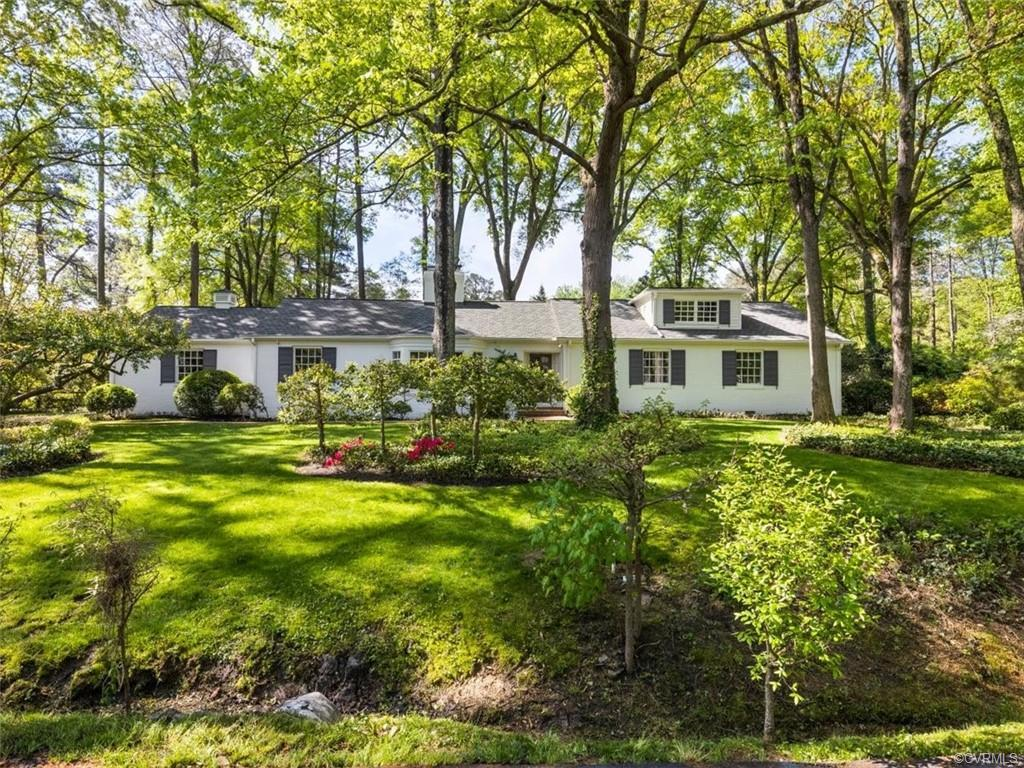 Don't miss this first offering in over 50 years! A wonderful opportunity awaits in popular Sleepy Ho