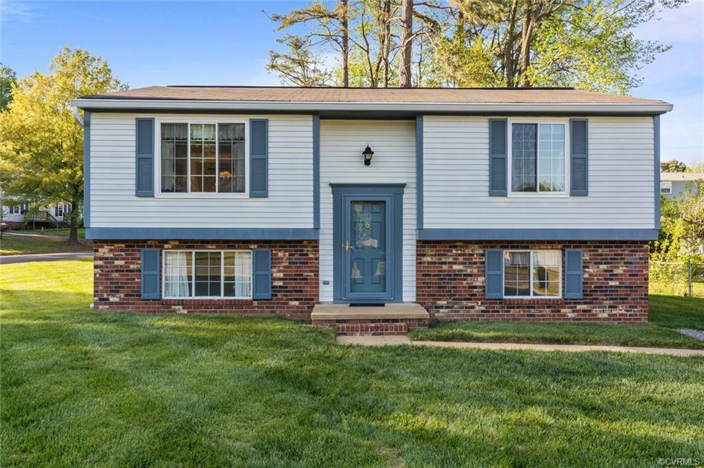 Well maintained home located in awesome location in Glen Allen. Main floor features large living roo