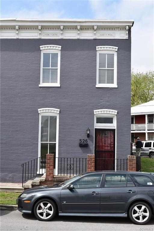 Wonderfully remodeled 3br town house in the VCU area for sale right across from the refreshed Abner