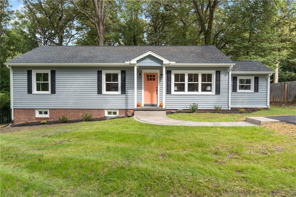 MARVELOUSLY RENOVATED HOME W/ FULL BASEMENT IN HIGHLY SOUGHT AFTER SOUTHHAMPTON AREA BY THE JAMES &