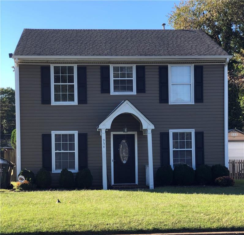 This is a well cared for home in a nice subdivision in the south Richmond area. This house has had q