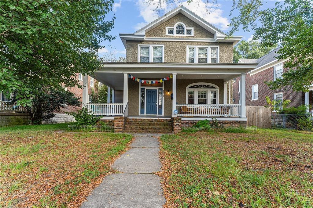 Your home awaits you! BEAUTIFUL Foursquare home in Richmond City! Tons of upgrades all with leaving