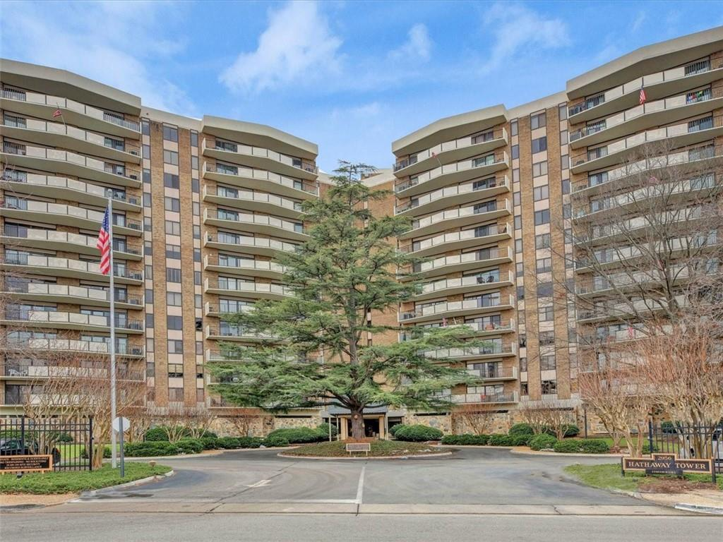 8th floor unit ready for you to move in! New carpet and new paint, kitchen remodeled with granite an
