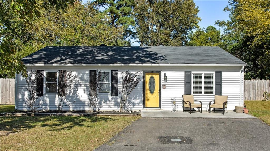 This charming three bed two bath ranch is ready for a new owner! Located on a quiet cul de sac this