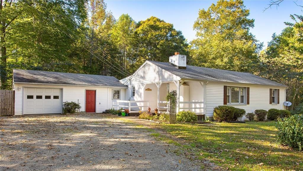 Adorable private country home in Hanover County!  This ranch has been well maintained and it's await
