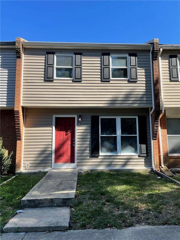 Beautifully renovated townhome conveniently located near Mechanicsville Turnpike, minutes away from