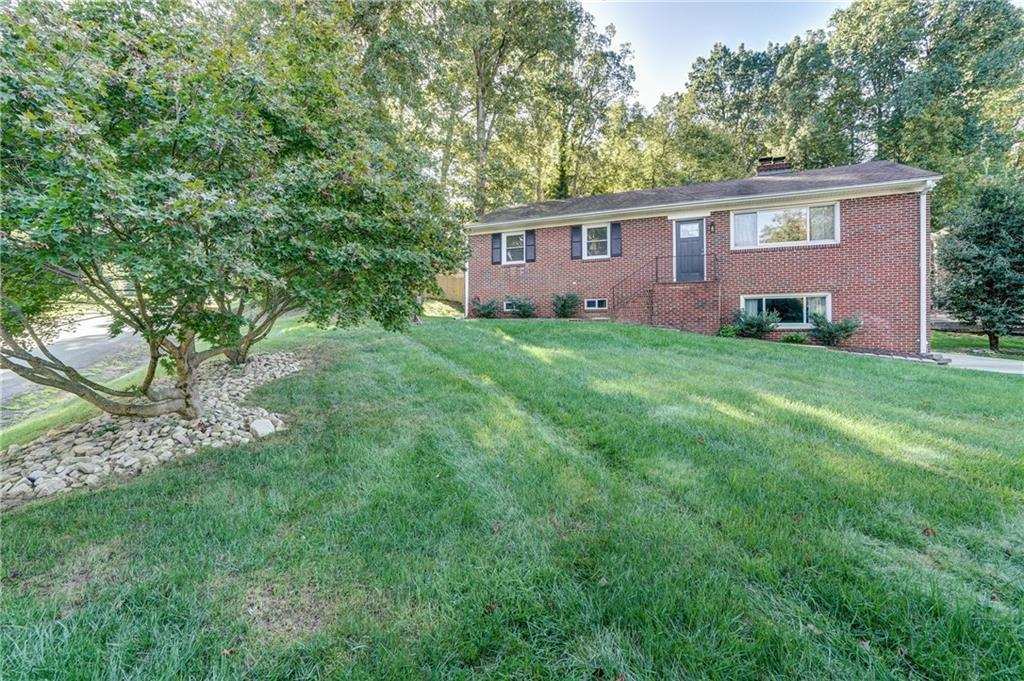 Beautifully renovated! Ranch style home with finished walk out basement - 4 bed (2 owner's suite pot