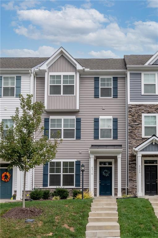 2000+ sqft 3 bedroom two full bath Camden Model townhouse in the Cosby district. Built in 2019 this