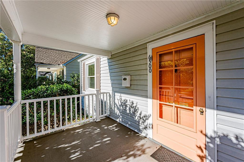 New kitchen remodel was makes this adorable Westhampton Heights corner house perfect.  Kitchen featu