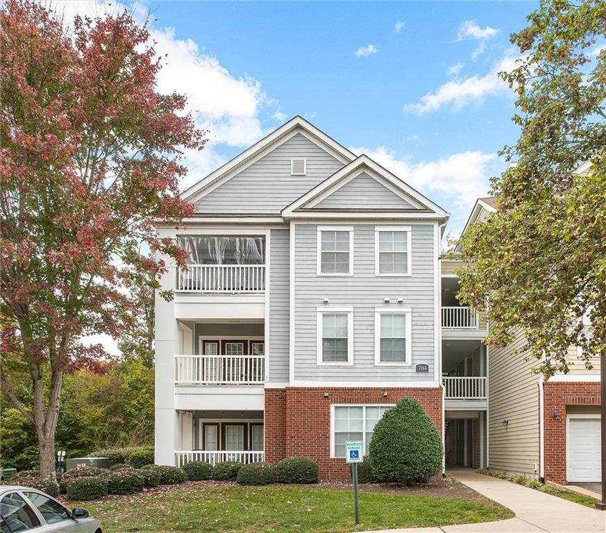 One level living with this nicely maintained 2nd story condominium.  Open floor plan includes kitche