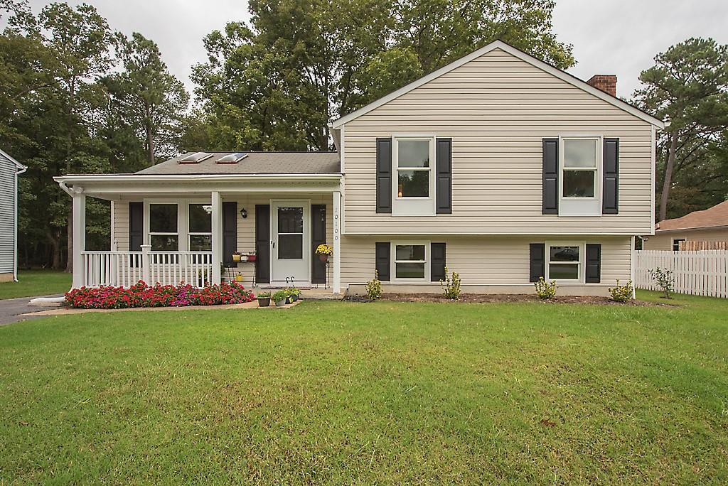 Great move-in ready 4 bedroom, 2.5 bath tri-level style home. All new carpet and paint throughout. O