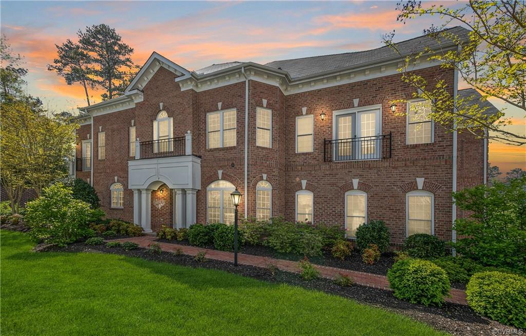 This stately home located in the highly sought after community of Grayson Hill is bursting with care