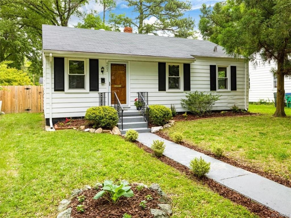 Charming 3 bed 2 bath ranch. Hardwood floors, kitchen with granite countertops and SS appliances, fa