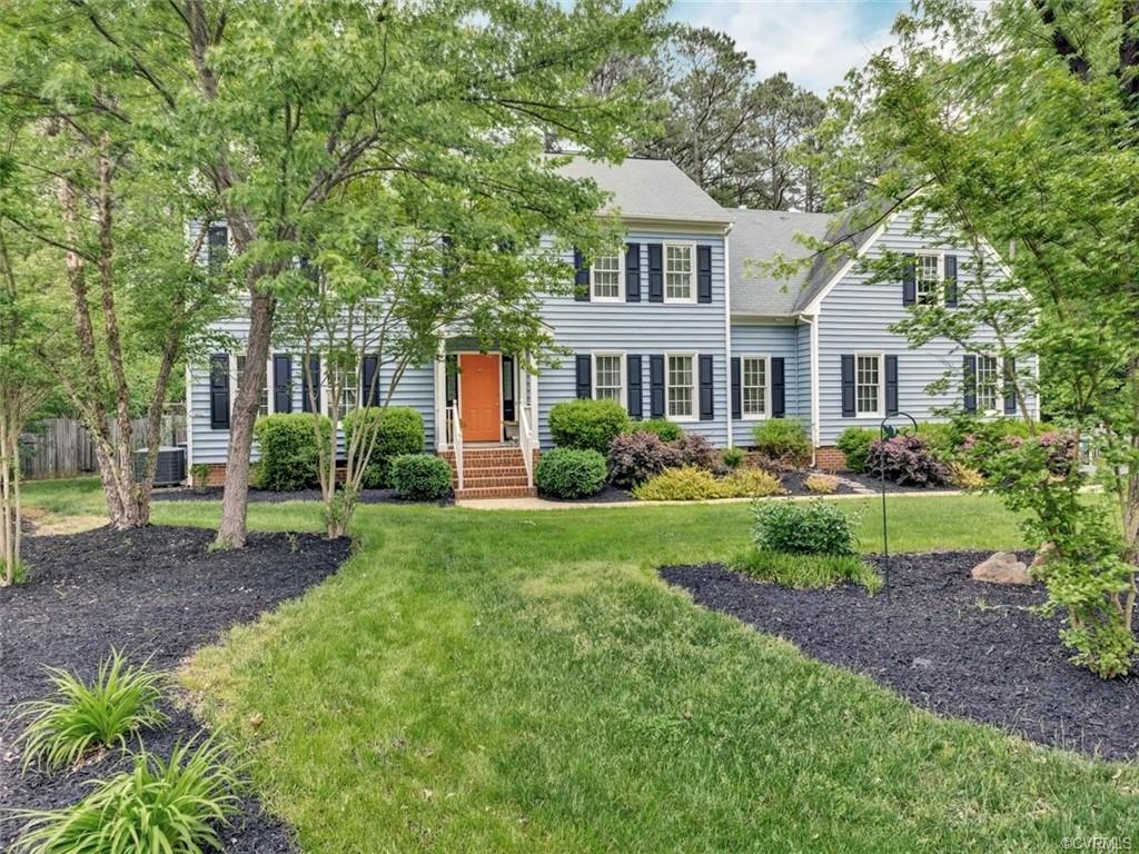 Welcome home to this beautifully maintained colonial in the always desirable Glen Allen area of Rich