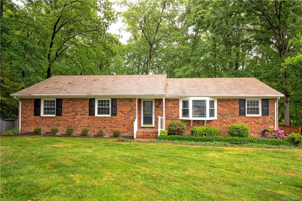 This gorgeous brick ranch is move in ready!  Spacious floor plan offering 3 large bedrooms, Living,