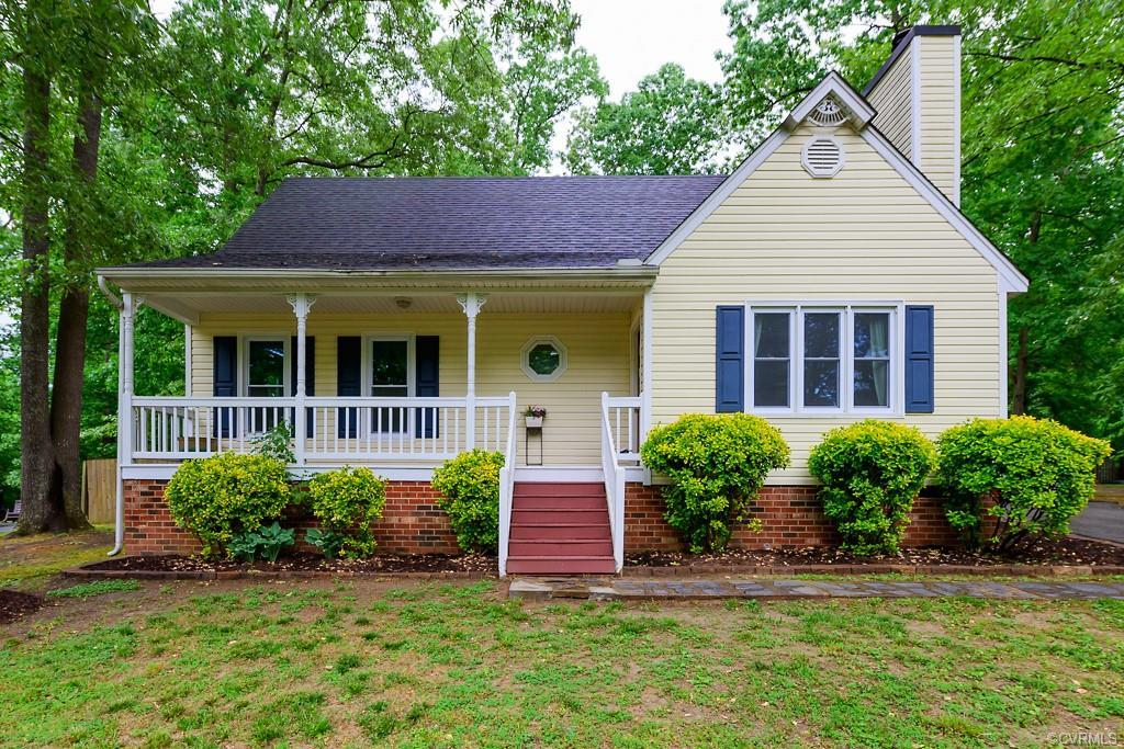 This absolutely STUNNING 4 Bedroom Cape Cod style home is picturesque and ready to move in. You will