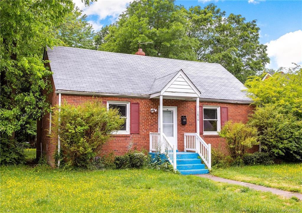 Just 10 minutes from downtown near up and coming Manchester, this newly renovated 4 bedroom boasts a